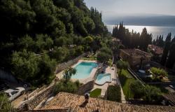 Residence con piscina sul lago di Garda: al lavoro per voi!