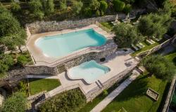 Residence con piscina sul lago di Garda a tre minuti dalla spiaggia