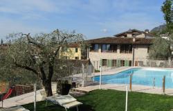 Residence con piscina sul lago di Garda: relax e sconti di settembre