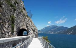 Ferie sul lago di Garda: è aperto il primo tratto della ciclabile sul lago
