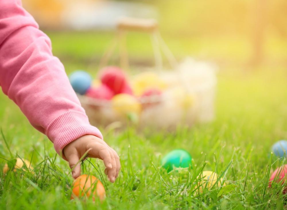 Buona Pasqua dallo staff del Residence sul lago di Garda Borgo Alba Chiara